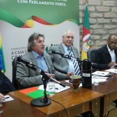 Leonel Pavan participa de reunião do Parlasul em Porto Alegre