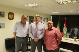 Deputado Leonel Pavan e dirigentes do Conselho Regional dos Representantes Comerciais de SC (CORE)